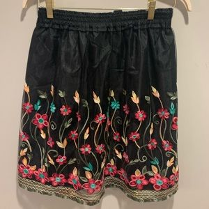 August Silk Flower Embroidered Skirt Size M NWT